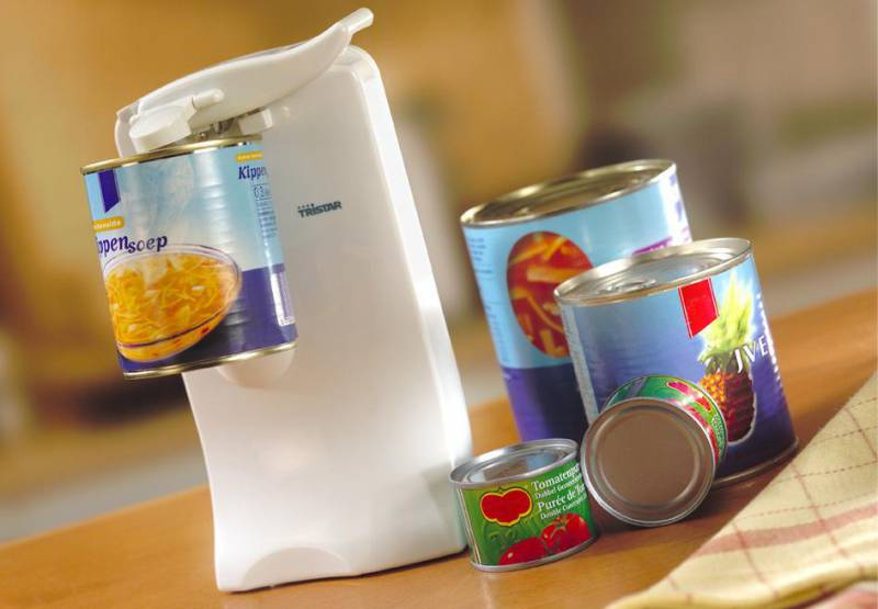 Otvírač konzerv s brouskem nožů Tristar BO-2102 - otvírák elektrický